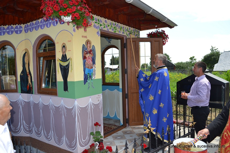 Sfintire Troita sat Stamate, Fantanele (28)